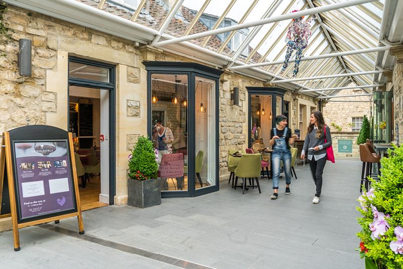 Milsom Place Le Vignoble